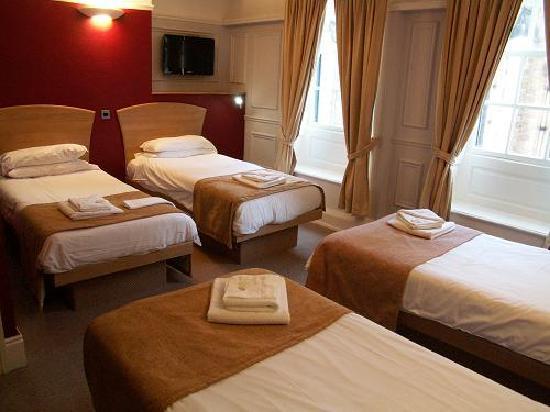 The George Hotel: Multi En-suite Room