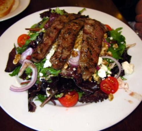 Mamma Lucia of Frederick: Steak salad