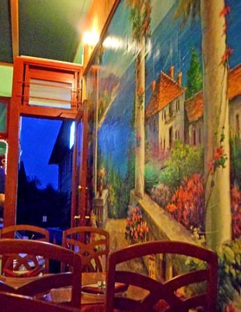 New Chiang Mai Thai Cuisine: Mural on wall