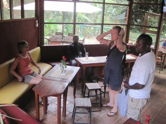 Via Via Cafe - Arusha: Shirley, Tara and Ezekiel at Via Via