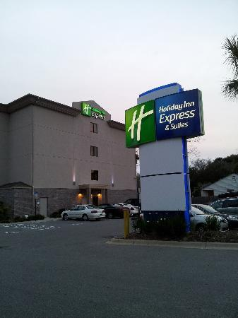 Holiday Inn Express Hotel & Suites - Pensacola West-Navy Base: View of the hotel