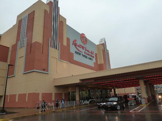 Resorts World Casino: outside