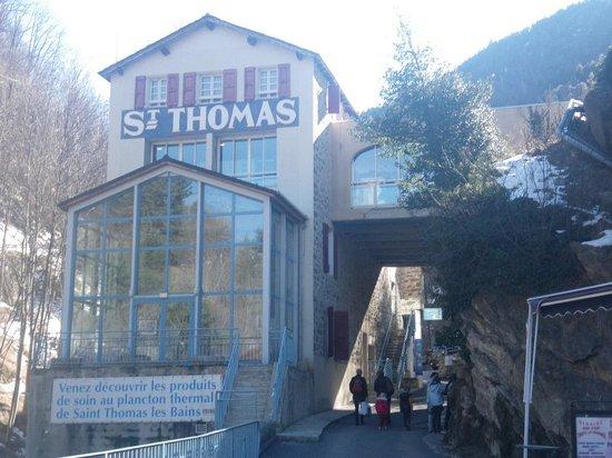 Prades, Francia: Bains St Thomas entree