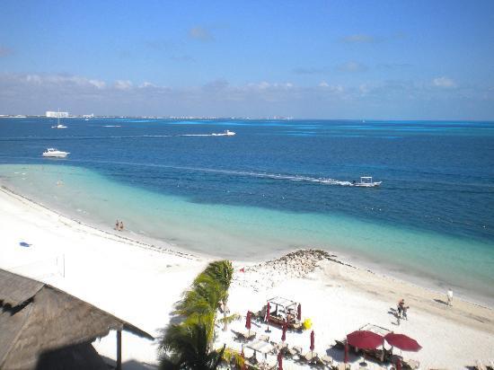 Casa Maya Cancun: Pristine beach