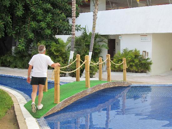 Fiesta Americana Villas Acapulco: New bridge makes easier to get to other side.