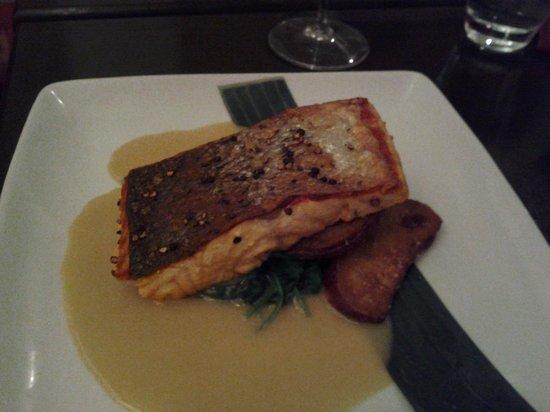 Che Resto Bar : Baked salmon
