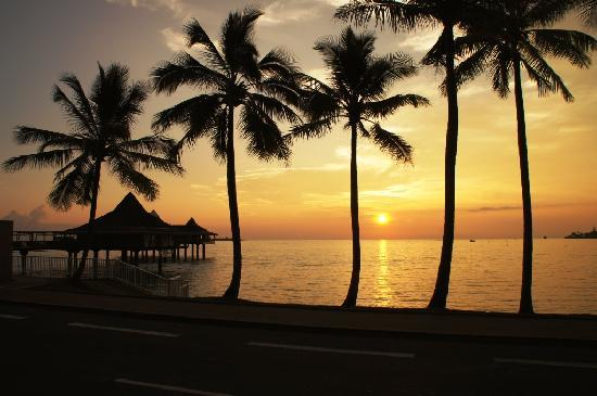 Noumea, New Caledonia: Anse Vata sunset