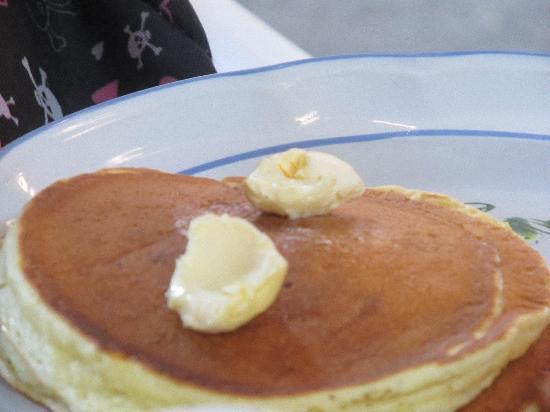 Raquel's: Daughter loved hot cakes