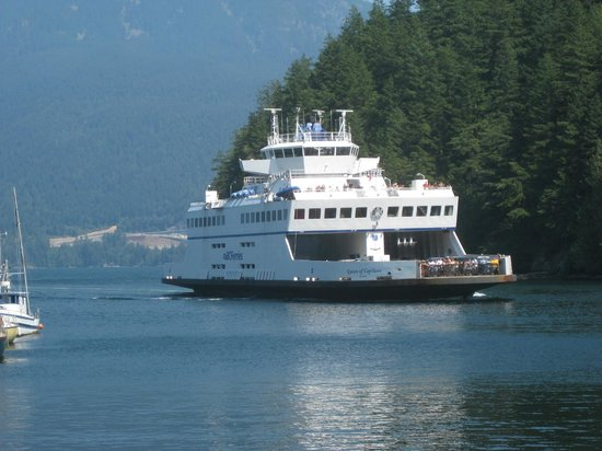 BC Ferries : Ferry approaching Snug Cove, Bowen Island.