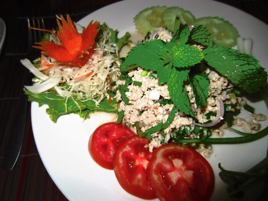 นาริมา บังกะโล รีสอร์ท: great Thai food