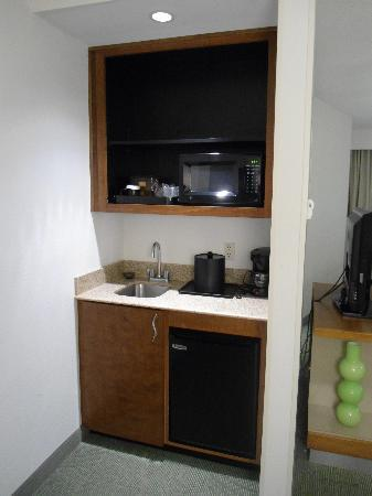 SpringHill Suites Lynchburg: Kitchenette