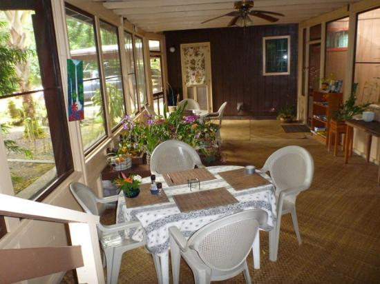 Hale Moana Bed & Breakfast: Breakfast Area