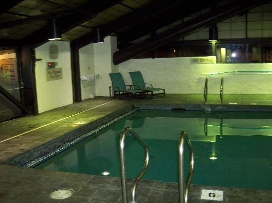 Sonesta Es Suites Burlington Pool Is 6 Feet Deep