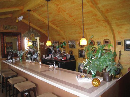 """Pizza N Cream : the bar/aka the """"date room"""""""