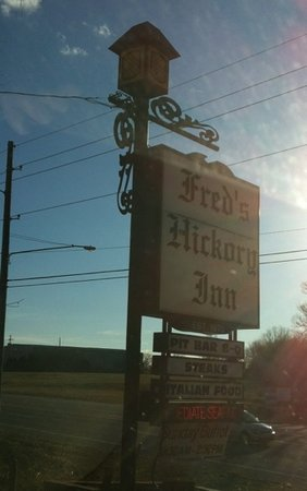 ‪Fred's Hickory Inn‬