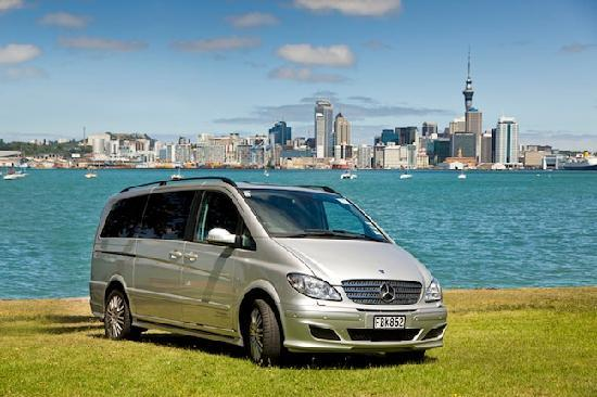 TIME Unlimited Tours : Explore Auckland with high-quality vehicles