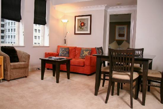 Manor Apartment Hotel: Two Bedroom Apartment