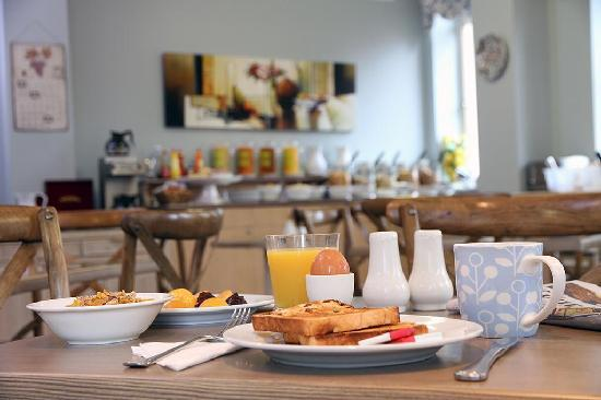 Manor Apartment Hotel: All rates include light continental breakfast