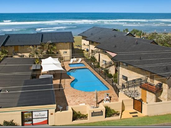 Lennox Head, Australia: An old Aerial shot of site, building has been painted new colour now.