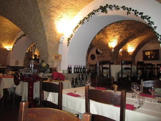 Restaurant Medioevo: Inside