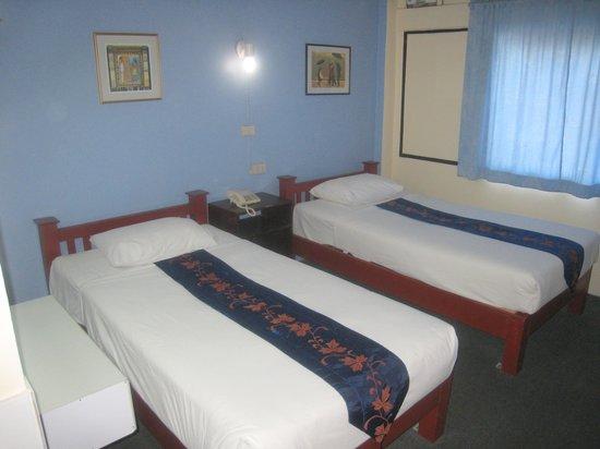 Paradorn Hotel