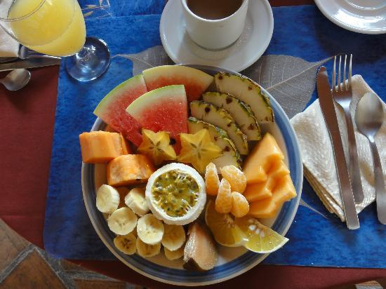 Hotel Patio del Malinche: the fruit plate breakfast at our hotel