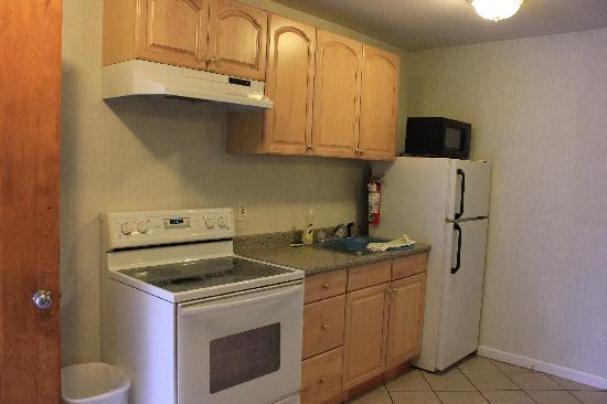 Brewster, NY: kitchen