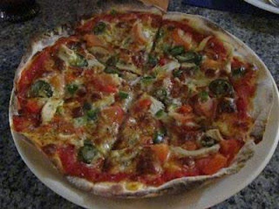 TJ's Italian Restaurant: The Mexican pizza (RM 30)