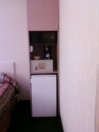 Comfort Inn & Suites Rocklin: mini fridge and microwave