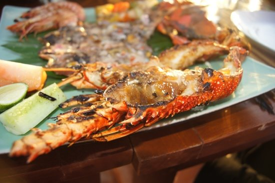 Bawang Merah Beachfront Jimbaran: amazing seafood