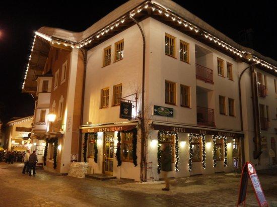 Feinschmeck: Hotel in nignt