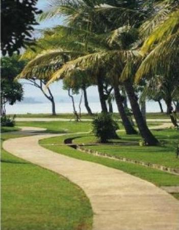 Grand Elty Krakatoa Hotel: garden and beach view