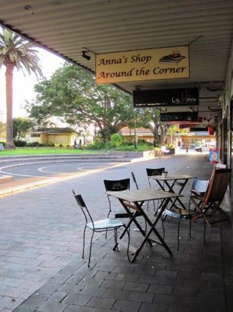 Anna's Shop Around The Corner