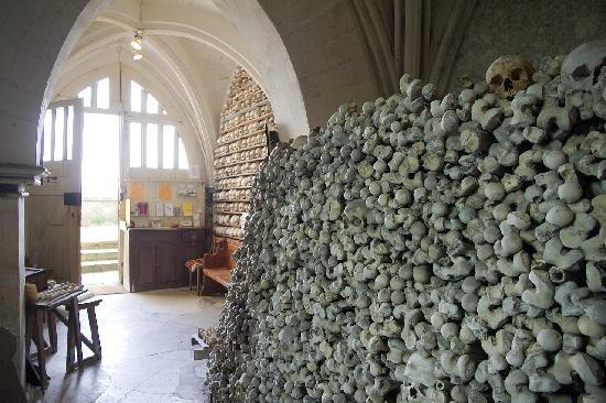 Crypt of St. Leonard: well cared for....