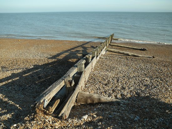 ‪Pevensey Bay Beach‬