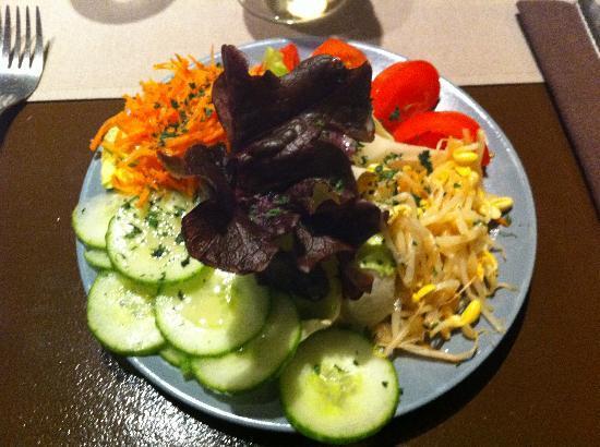 Incognito: Mixed salad