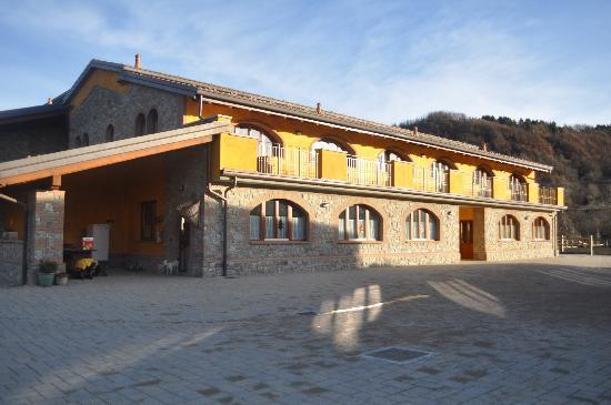 Cascina Ca Bella : part of hotel