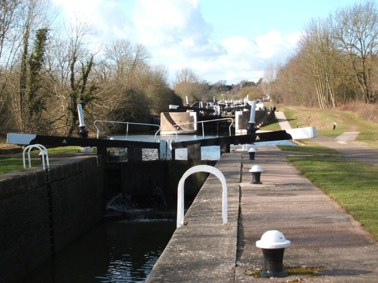 ‪Hatton Locks‬