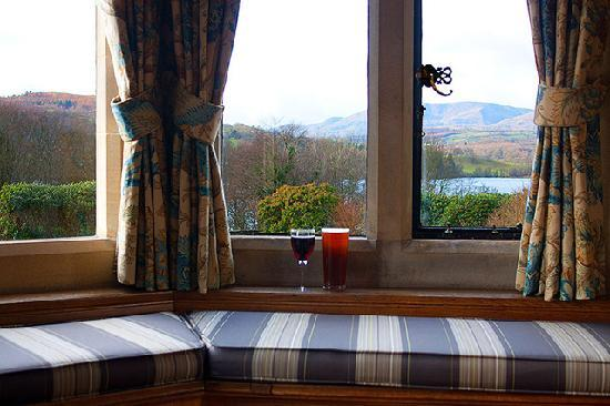 Cragwood Country House Hotel: View from the bar