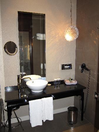 Baño con lampara \