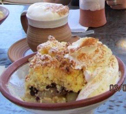 Craft Cafe Windhoek : Cappuccino und Apfelstreusel