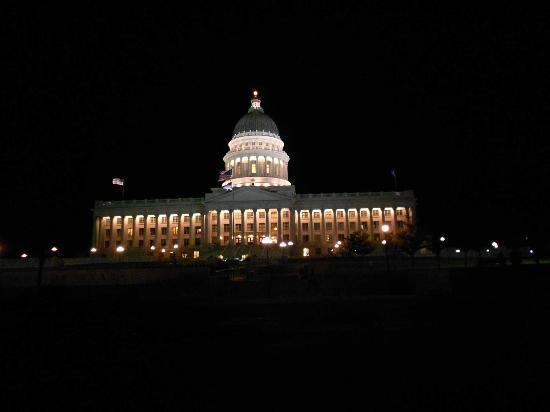 Utah State Capitol: El Capitolio de noche