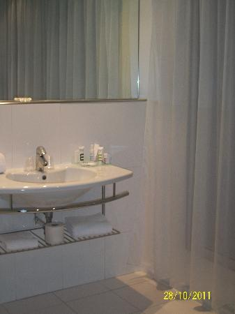 Mercure Marseille Centre Prado Hotel Vélodrome : salle de bain (avec baignoire)