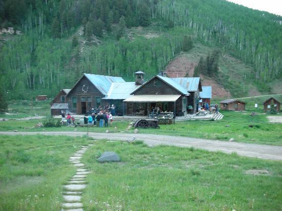 Dunton Hot Springs: Main lodge