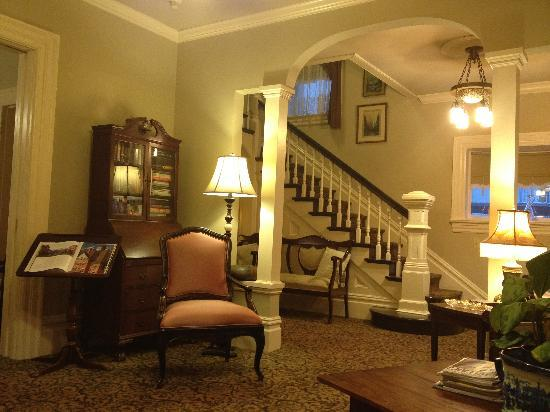 Beautiful decorated rooms picture of o canada house vancouver tripadvisor - Decorated homes ...