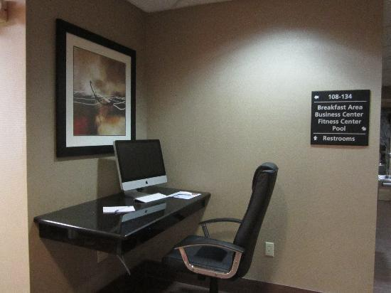 Hampton Inn Ft. Myers - Airport I-75: One of our Business Center