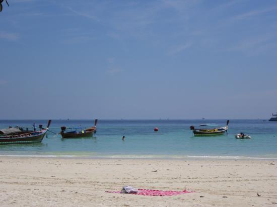Daya Resort : spiaggia di fronte al Daya