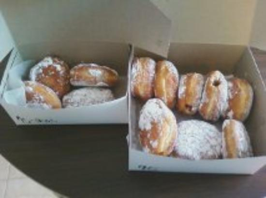 Becker's Donuts and Bakery: The paczki we ordered--yummy!