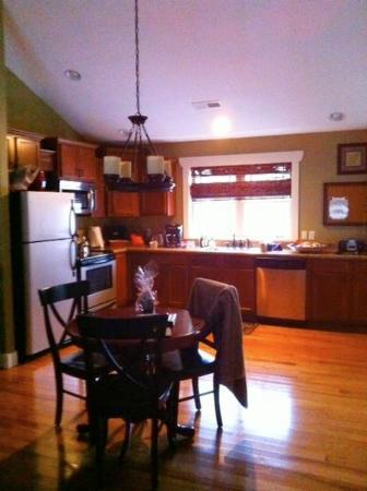 Asheville Cottages: Great Kitchen