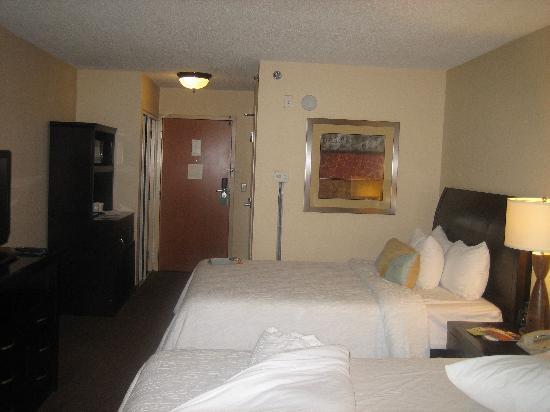 Hilton Garden Inn Nashville Airport: Beds